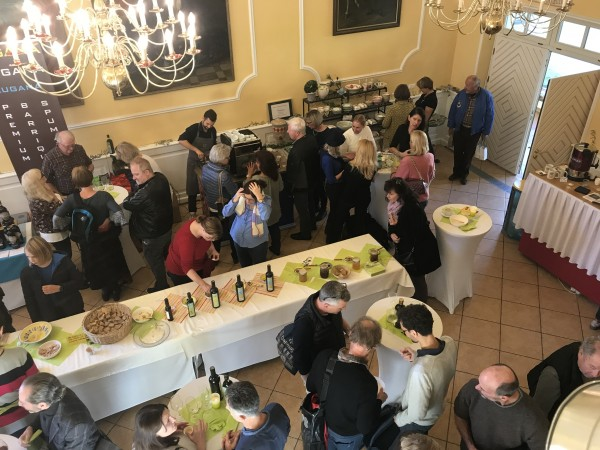 15. 11. 2020 Olivenöl-Erntedankfest Schloss Aufhausen